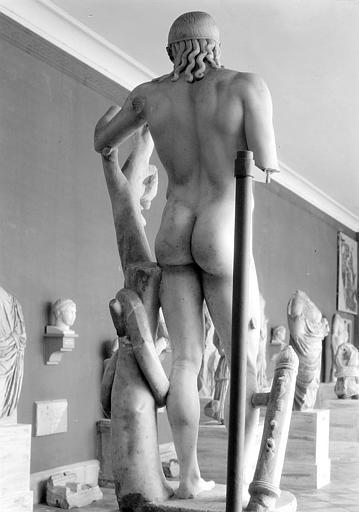 Cherchell_Statue d'Apollon de dos_ph-Arlaud.jpg