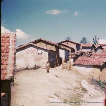 Village kabyle+homme_GeLamBre.jpg