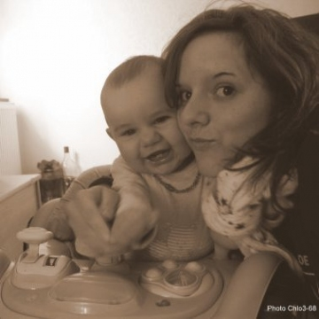 Jeune fille+bébé_ph-chlo3-68_sepia.jpg
