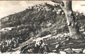 Cimetiere&village-kabyle.jpg